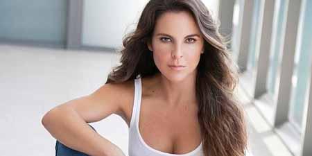 """Kate del Castillo volverá a interpretar el personaje de Teresa Castillo, en la segunda temporada de la exitosa serie """"La reina del sur""""."""