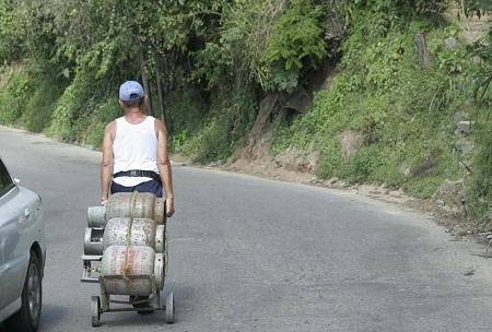 Bombonas son vendidas a sobreprecio Foto: Deysi Peña