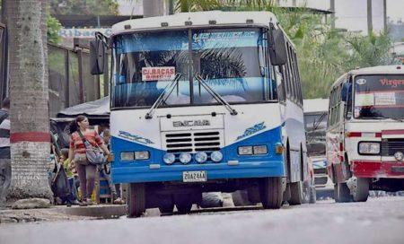 Transportistas no cuentan con la debida aprobación, no obstante señalaron que no pueden seguir pagando el costo del mantenimiento de las unidades de transporte público