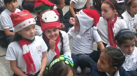 Con parrandón recibieron la navidad en la escuela Los Salias