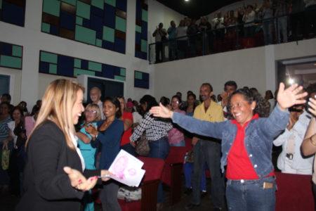 Candidata del PSUV recorrió Tácata y Paracotos