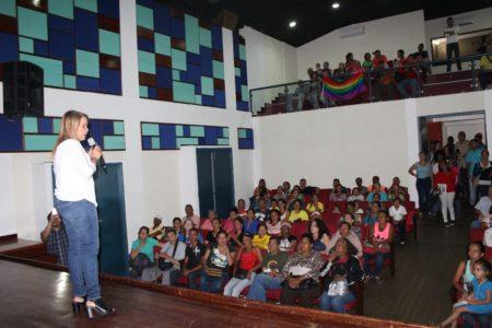 Wisely Álvarez sostuvo encuentro con la economía social de Guaicaipuro
