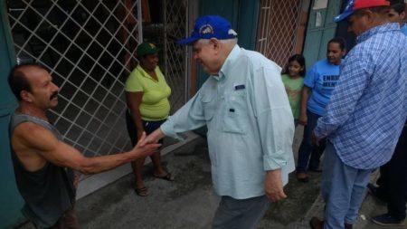 """Enrique Mendoza: """"El municipio Sucre me duele y no estoy dispuesto a dejarlo perder"""""""