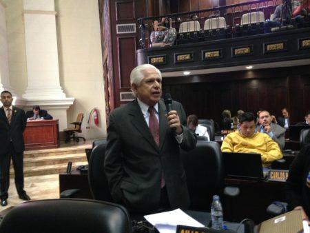 Omar Barboza: El gobierno no puede refinanciar la deuda sin la aprobación de la AN