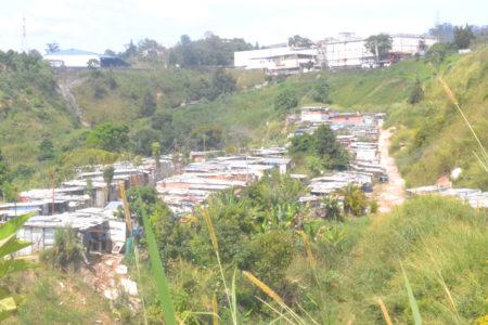Dos edificios sin construir y las familias se multiplican en la terraza 16 donde la mayoría de sus habitantes son niños y no cuentan con los servicios básicos que mejore su calidad de vida