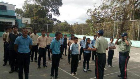 Policía comunal de Carrizal trabaja  en la creación de Brigadas Escolares
