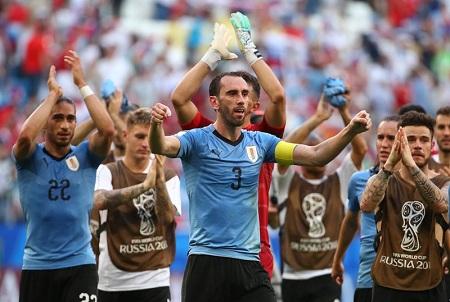 Soccer Football - World Cup - Group A - Uruguay vs Russia - Samara Arena, Samara, Russia - June 25, 2018   Uruguay's Diego Godin celebrates after the match    REUTERS/Michael Dalder SOCCER-WORLDCUP-URY-RUS/