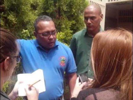 Braulio Cedeño: La asamblea de Transportistas de Caracas aprobó mayoritariamente enviar un oficio tanto al nuevo ministro del transporte Hipólito Abreu, como a la Alcaldesa de Caracas Erika Farías exhortándolos a que la nueva tarifa a partir del 15 de julio del presente año sea de 20 mil Bs. F. (20 Bs. S)