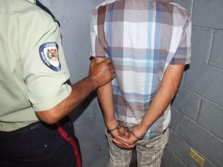 Poliguaicaipuro aprehendió a sexagenario por hurto de cableado de CANTV