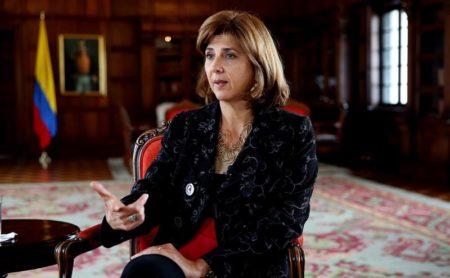 Holguín dice que negativa venezolana a aceptar crisis dificulta soluciones