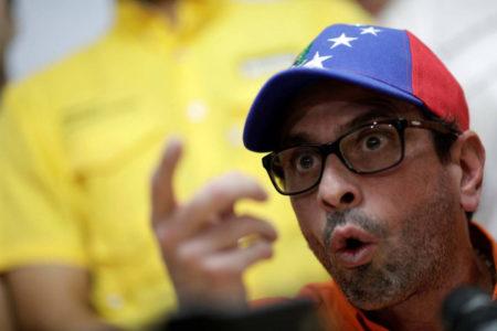 Oposición venezolana insiste en salida de Maduro tras reaparición de la FARC