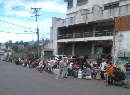 Problemas con la distribución de gas afecta a casi diez mil mirandinos semanalmente