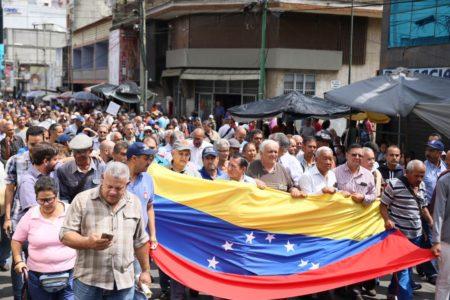 Trabajadores recorrieron calles de Los Teques