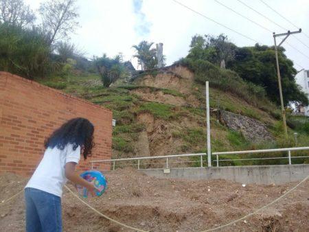 Deslizamiento de terreno podría afectar al menos 227 familias en Carrizal
