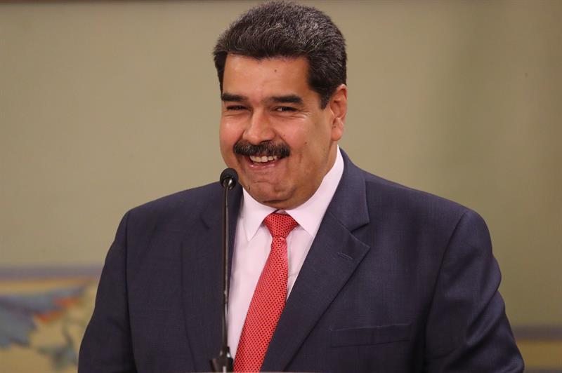 Maduro parte a Moscú para revisar