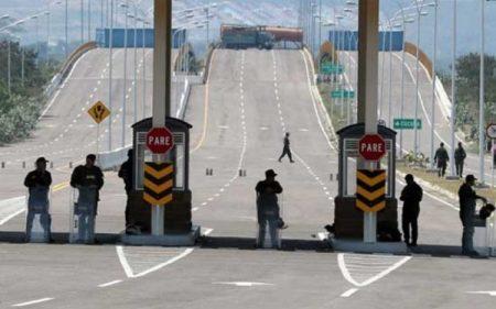 Denuncian que Gobierno de Maduro reforzó bloqueo a puente fronterizo