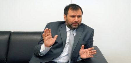 """Eurodiputados iban a """"conspirar"""", dice viceministro venezolano"""