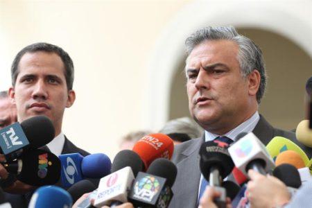 Cinco países europeos ofrecen a Guaidó más de 18 millones de dólares en ayuda