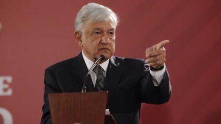 "Presidente de México pide a Venezuela no caer en ""tentación de uso de fuerza"""