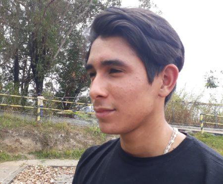 Roberth Pérez, estudiante de Comunicación Social