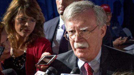 EE.UU. amenaza con sanciones a entidades financieras que ayuden a Maduro
