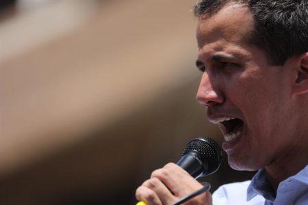 """Guaidó arranca """"fase definitiva"""" para sacar a Maduro y convoca más protestas"""