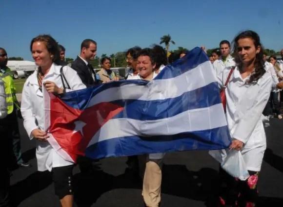 02aem-medicos-cubanos