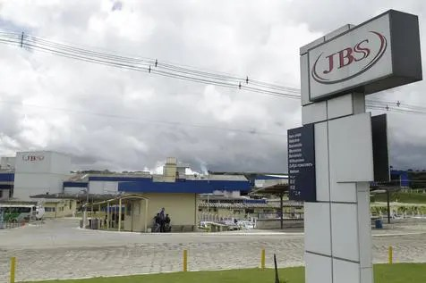 epa05862190 Exterior view of JBS meat processing plant in the city of Lapa, Parana, Brazil, 21 March 2017. According to Brazilian authorities several of the countrys meat processing plants such as JBS Seara and BRF as well as smaller companies are believed to have bribed health officials to overlook unsanitary practices. The scandal could threaten more than 10 billion US dollars in annual exports.  EPA/Joedson Alves