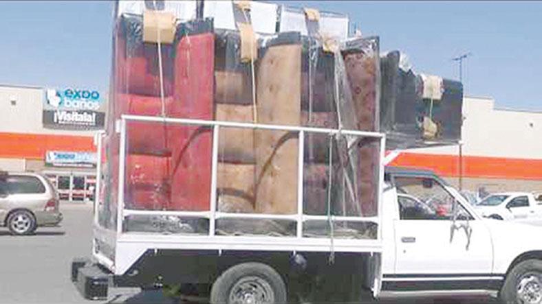 Foráneos venden muebles rellenos de pañales usados - Diario La Voz ...