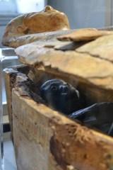 mummia-in-sarcofago-sezione-egizia-museo-archeologico-di-napoli