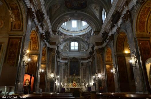 chiesa dei santi filippo e giacomo interno napoli