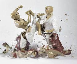 explosive-porcelain-figures-martin-klimas-04