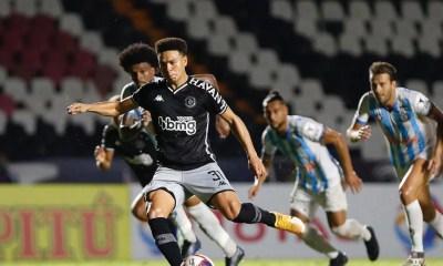 Jogando em São Januário, Vasco vence primeira no Carioca