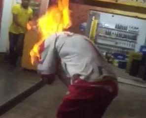 Homem ateia fogo no próprio corpo para matar o coronavírus em União