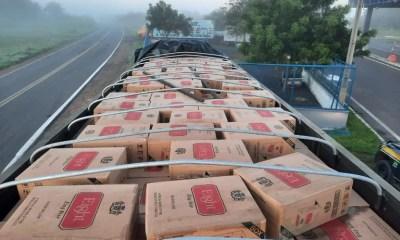 PRF: Carga de cigarros contrabandeados avaliada em R$ 1,5 milhão é apreendida em Piracuruca
