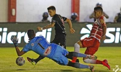 Vasco vence Tombense e avança na Copa do Brasil
