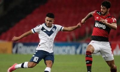 Flamengo garante liderança do grupo em empate sem gols com Vélez Sarsfield