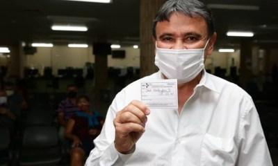 'Bolsonaro joga querosene em fogo ao desobrigar uso de máscara', diz Wellington