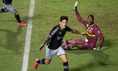 Vasco vence Sampaio Corrêa com gol de Cano