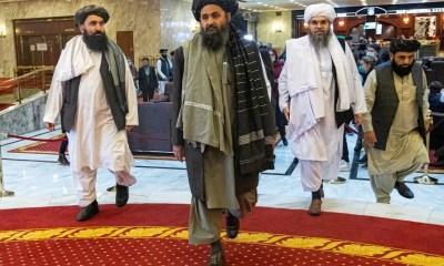 Cofundador do Taleban volta ao Afeganistão após 10 anos