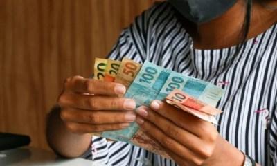 Governo propõe novo programa social; ala política defende valor de R$ 400