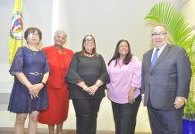 Alina Bello, Carmen Duran, Mildred Guzmán Madera, Luisa Navarro y David Álvarez vicerrector Académico PUCMM.