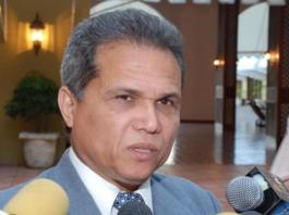 Presidente de los médicos dice que ministro de Salud oculta muertes por dengue