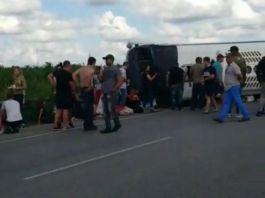 Versiones de Induveca y Transporte Monumental involucradas en el accidente de turistas en Autopista del Coral. Foto fuente externa).