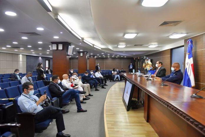 JCE sostiene reunión con delegados y veedores de la Dirección de Elecciones sobre detalles finales de las elecciones