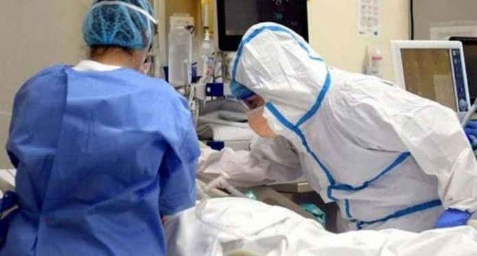 Paciente recuperada de covid-19 acepta casarse tras dar a luz en estado de coma