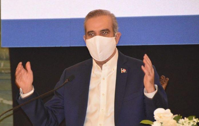 Abinader reacciona ante críticas, no habrá impuestos sin consenso con la ciudadanía