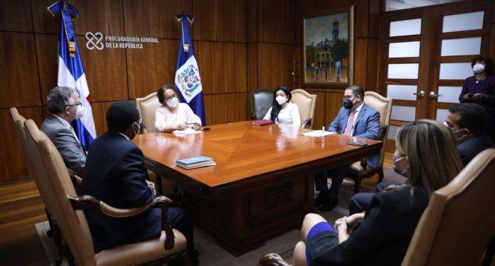 Miriam Germán instruye a fiscales que garanticen el acceso de ciudadanos al servicio de justicia