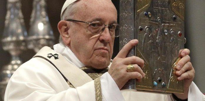 Papa pide reformas tras «fracaso» del capitalismo ante coronavirus. foto archivo y fuerte externa.