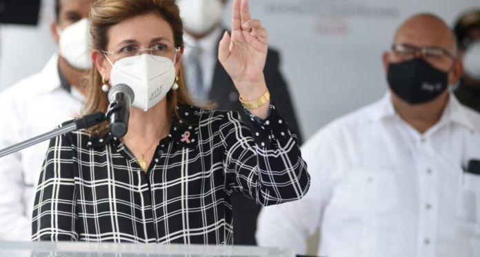 """Vicepresidenta Raquel Peña asegura que el """"Gobierno trabaja para erradicar el Covid-19″"""